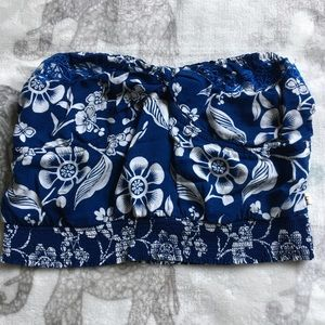Blue/White floral bow front crop top size M